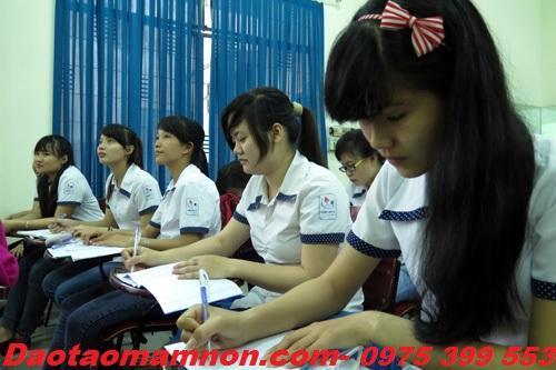 Chat luong dao tao nganh su pham mam non Ha Noi